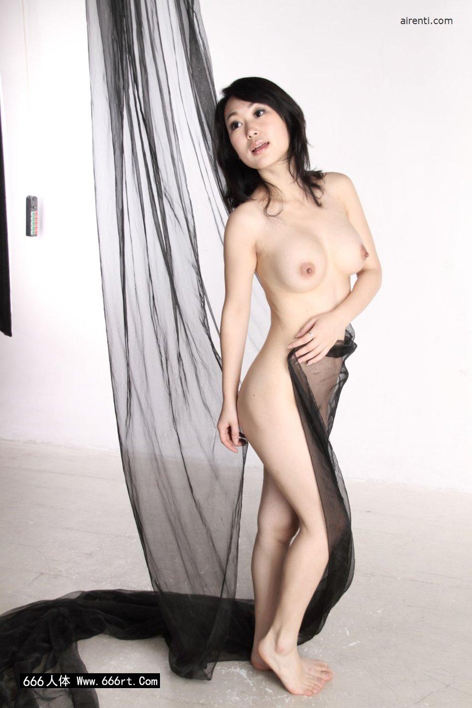 棚拍黑纱缠体的白皙淑女苏蕾