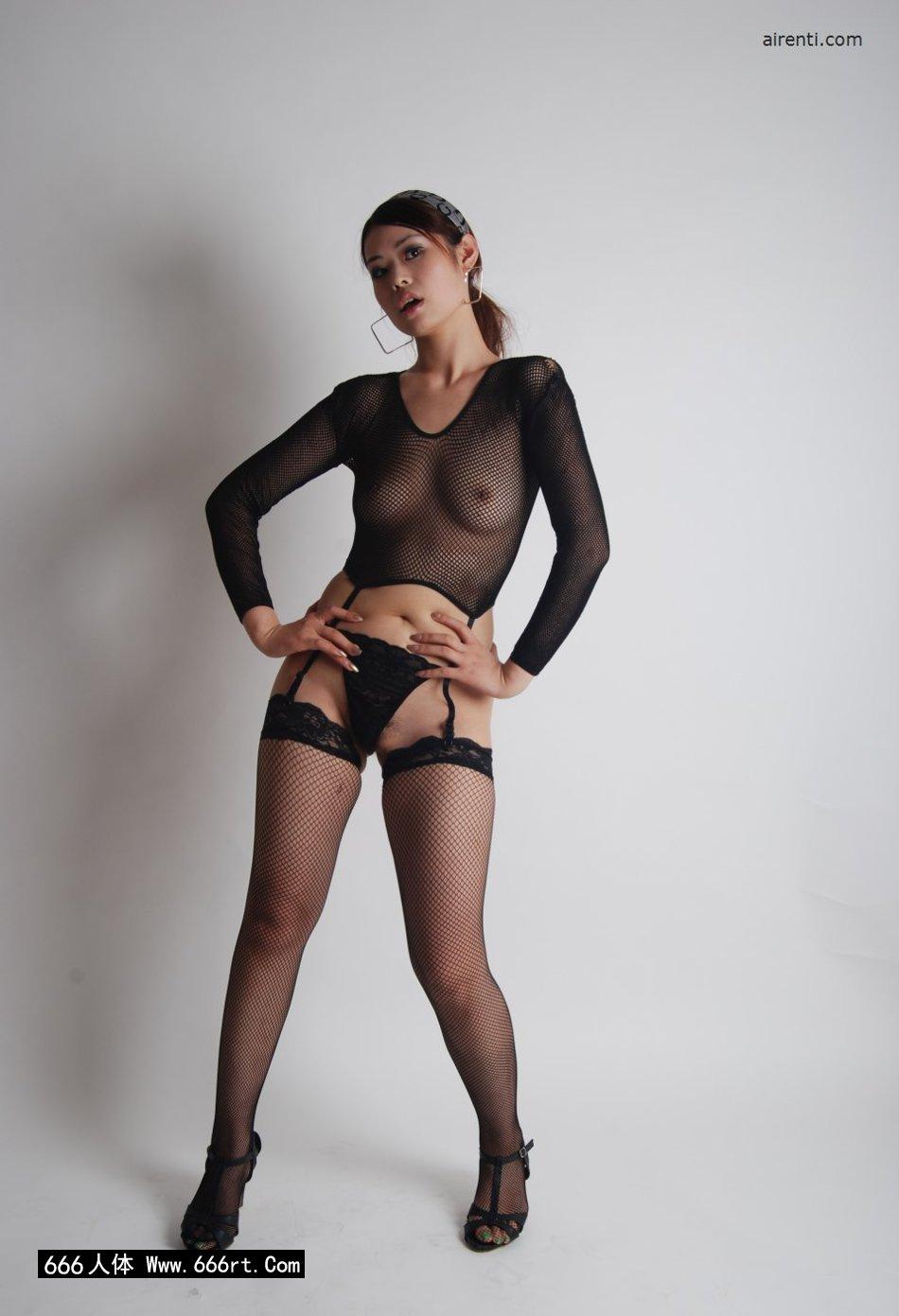 丰润美妇小倩棚拍妩媚黑丝丝袜