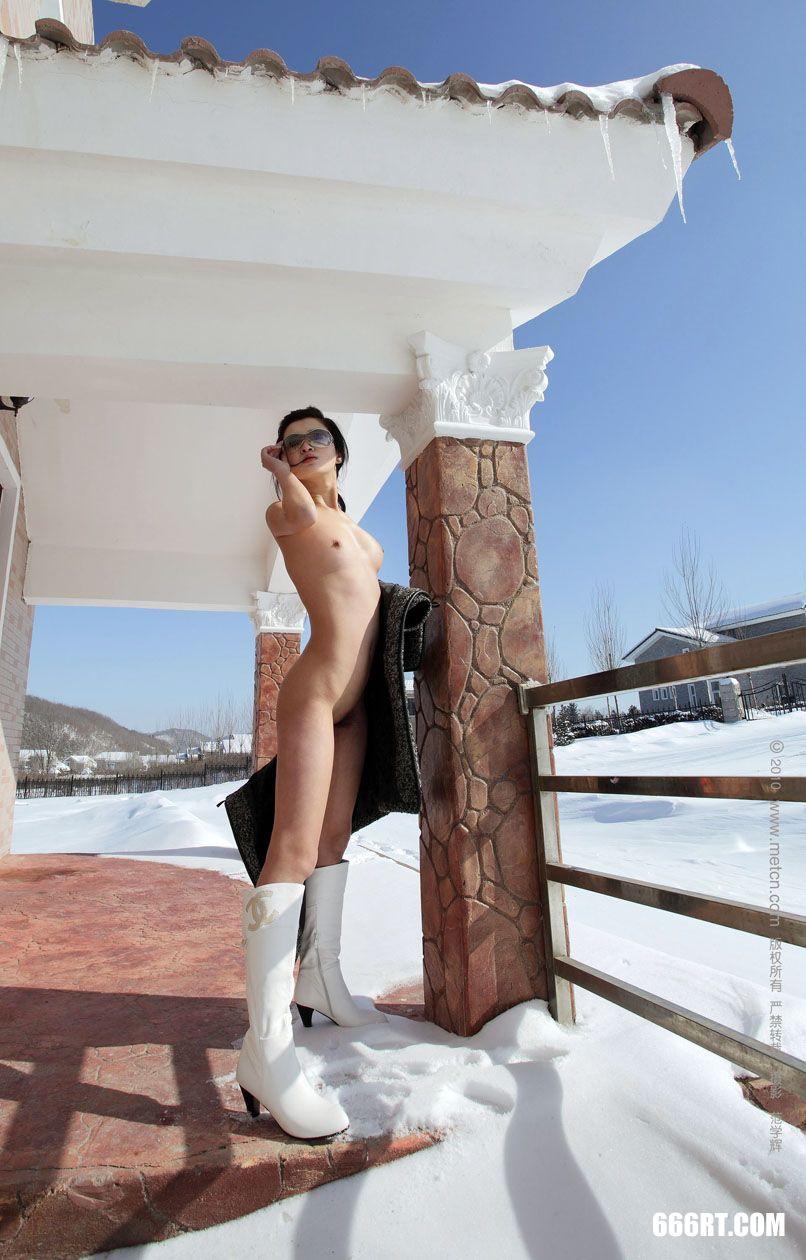 《春雪》模特邓晶10年3月15日外拍第10张