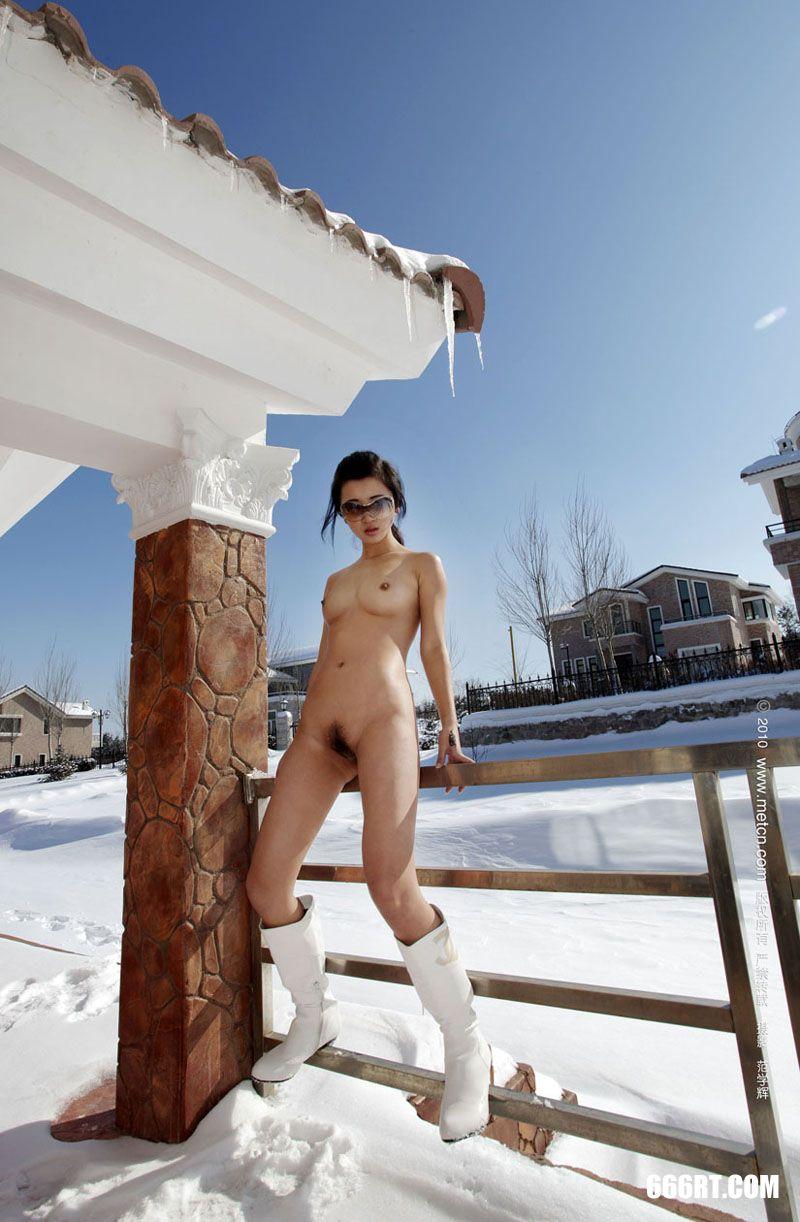 《春雪》模特邓晶10年3月15日外拍第12张