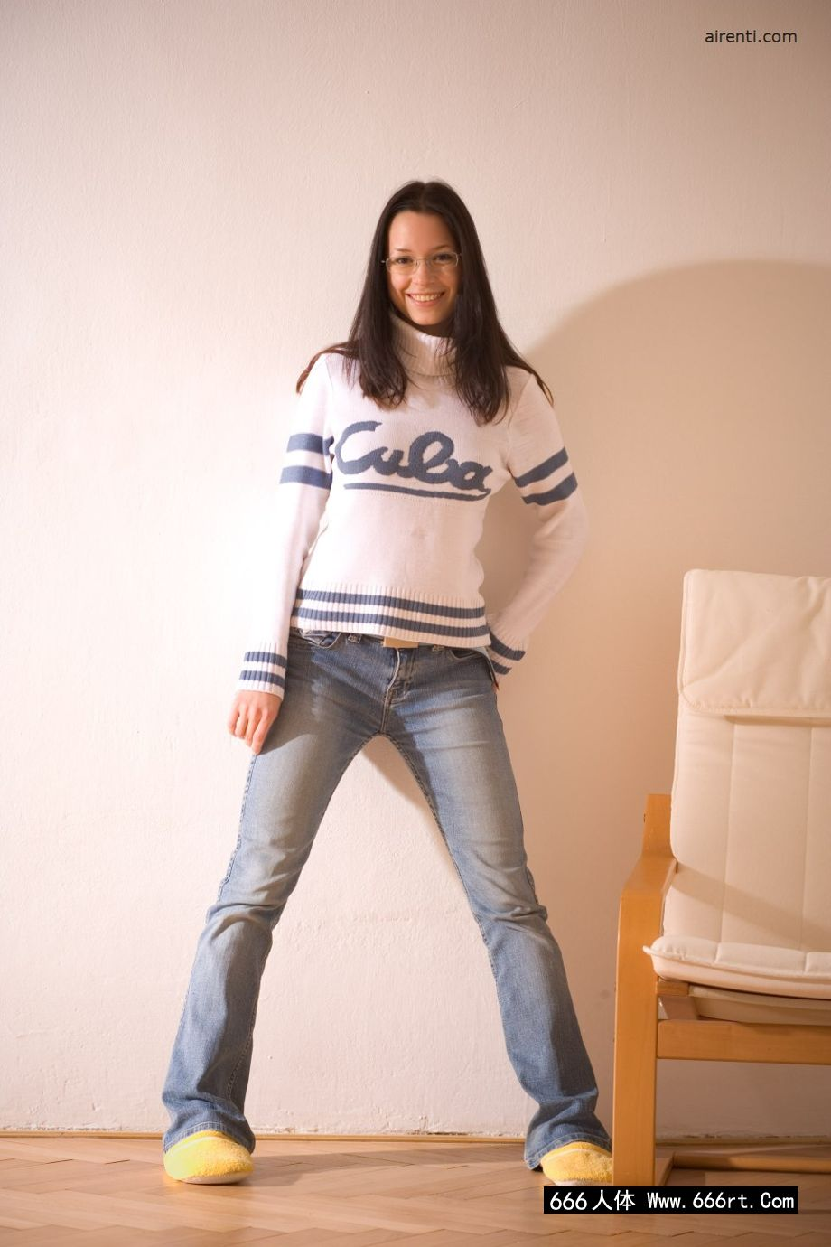 美国高中的学生凯瑟琳在家自拍内裤摄影