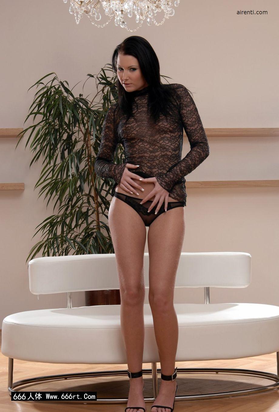 嫩模Janet居家棚拍薄透情趣内裤写照_人体模特888