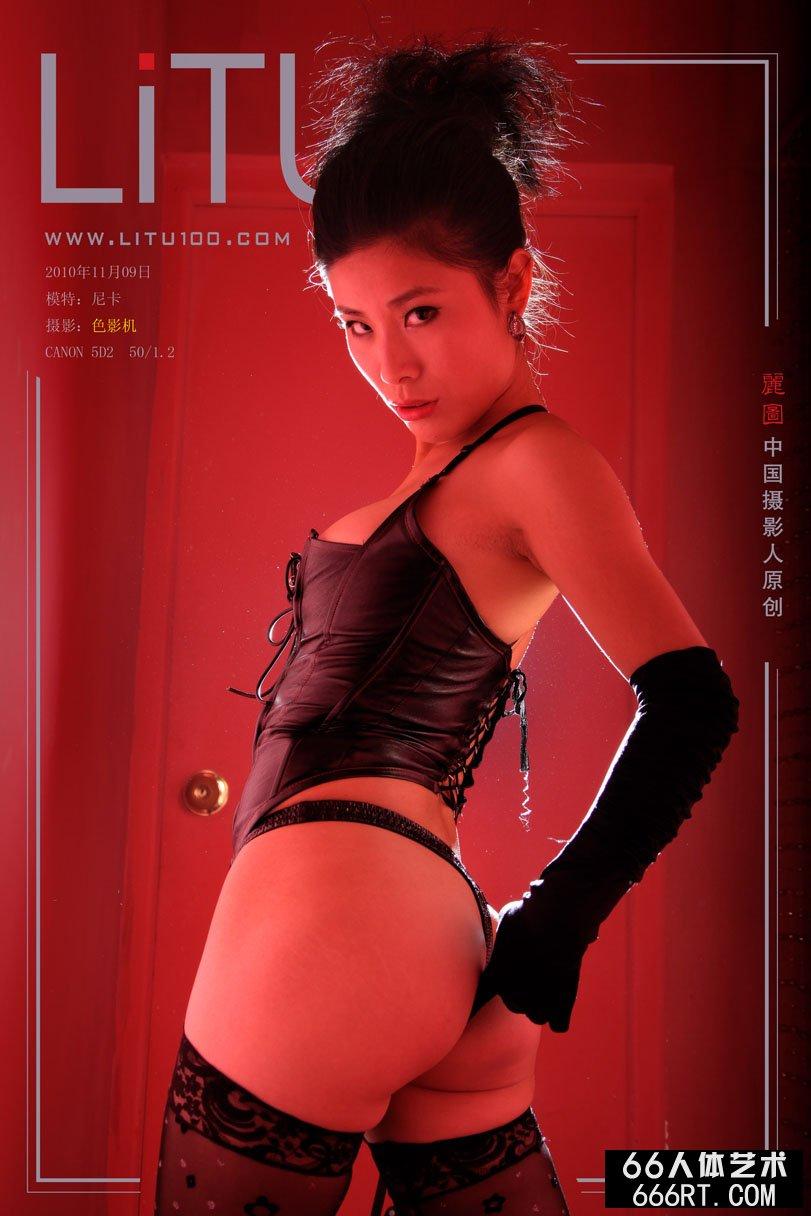 超模尼卡10年11月9日棚拍情趣泳装_综合色区亚洲熟妇另类