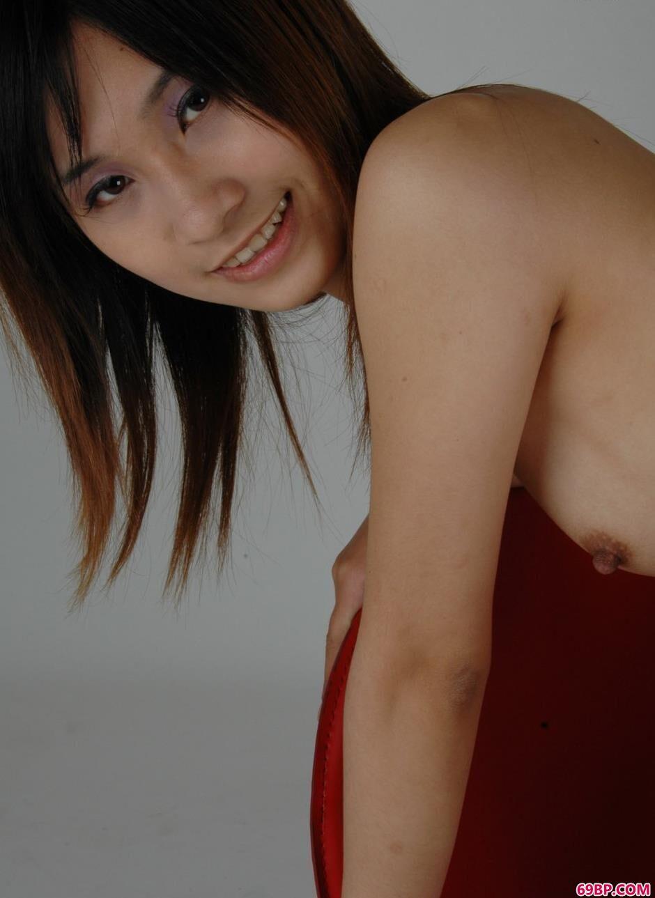 gog0rt高清人体_裸模雅咪羊毛毯上的清纯人体1