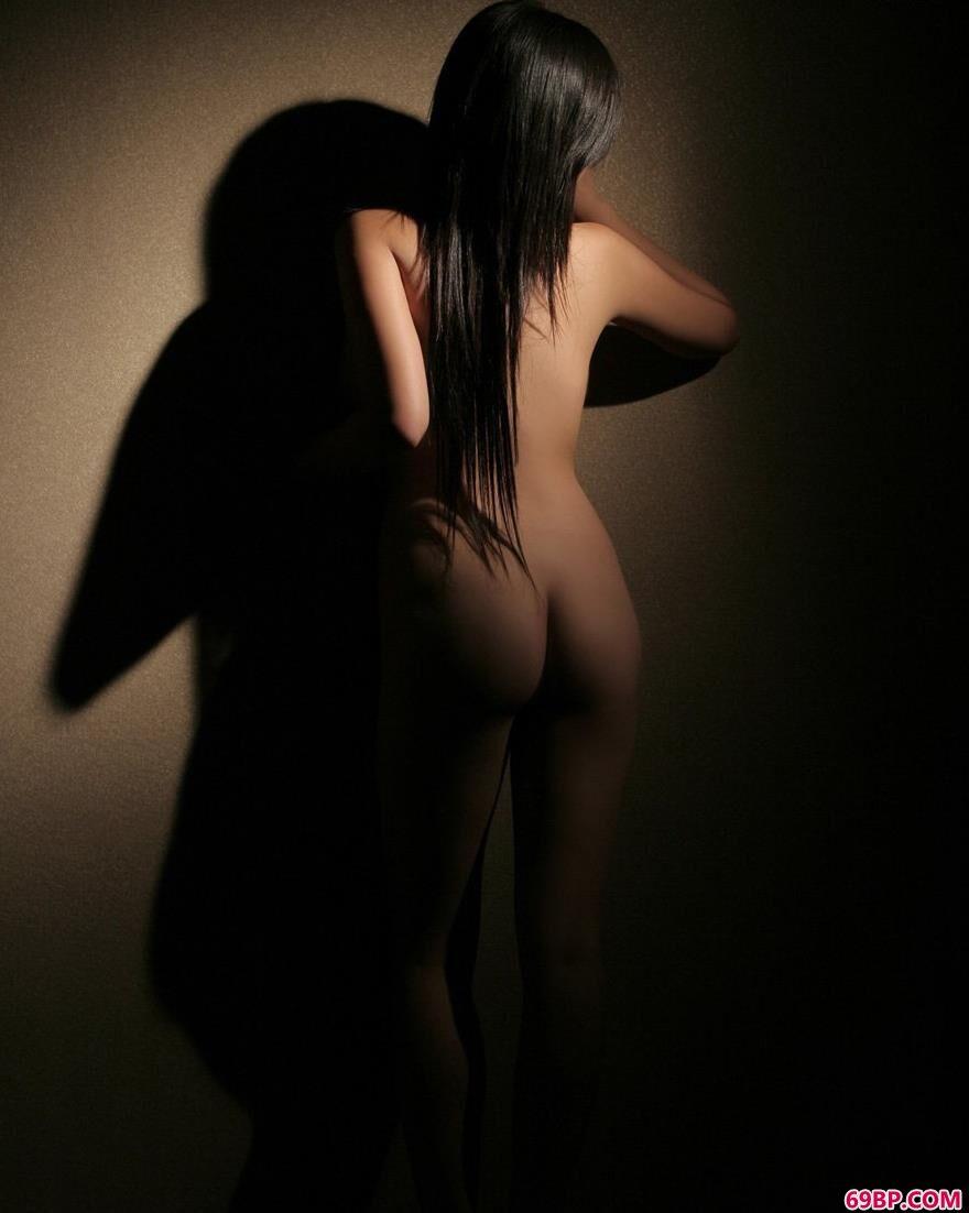 居家性感女人莎丽3_西西人体大胆免费视频
