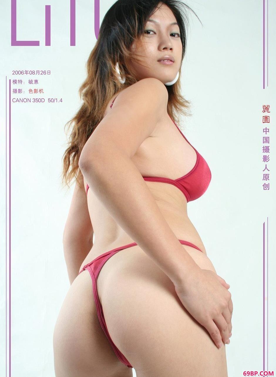 室内名模毓惠美丽泳装1