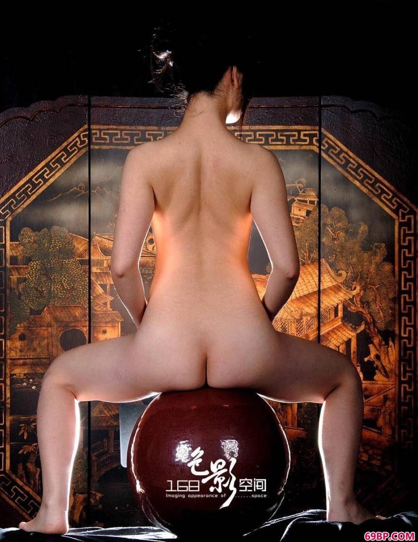 C0C0全球高清人体大胆_上海靓女晶晶人体艺术