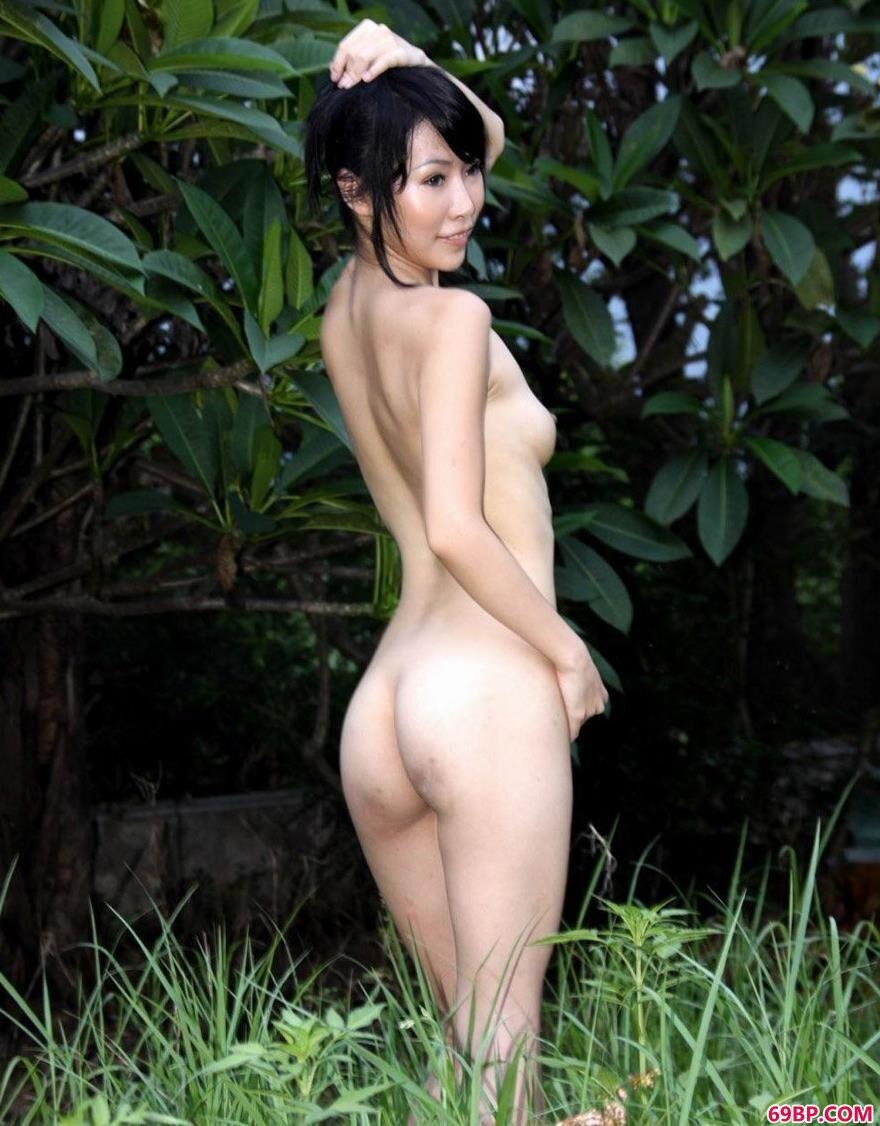 裸模蕊蕊苗条好身材
