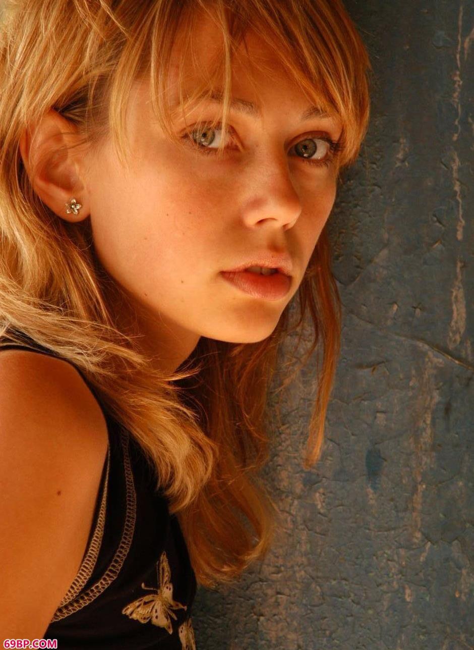 废墟里的RASCAL2_最大胆的美女课题艺术图片