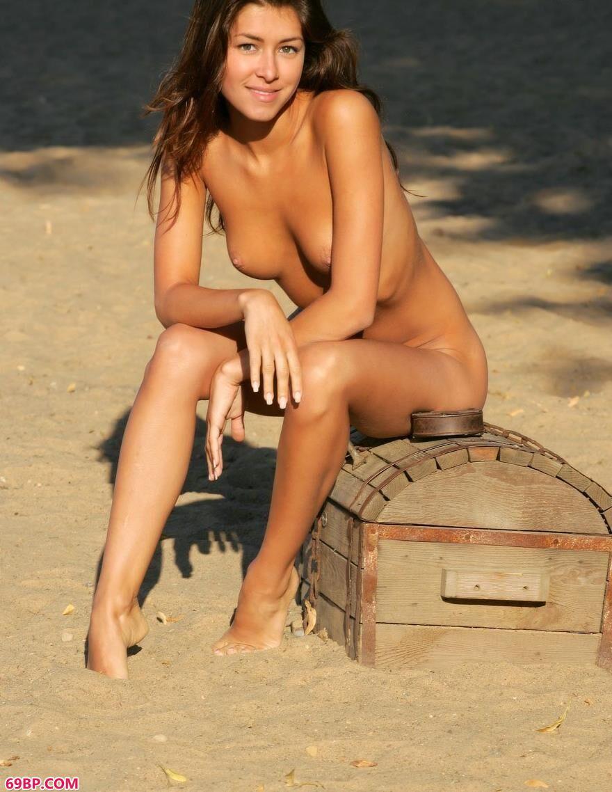 古铜色的肌肤-银团-幸运盒1_少妇自慰偷拍