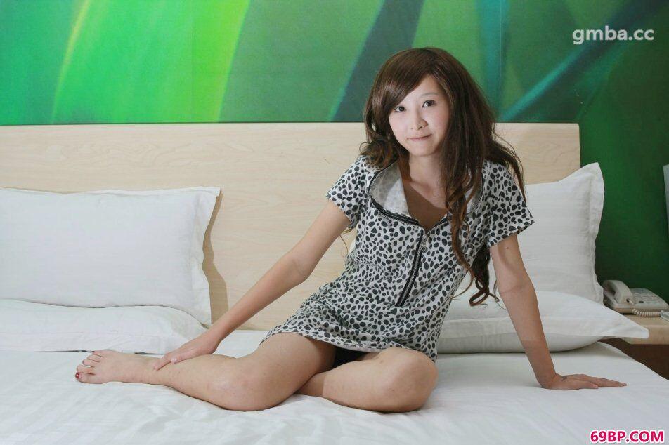 国模戴米私房绝品长头发靓女人体照片_GOGO精选人体
