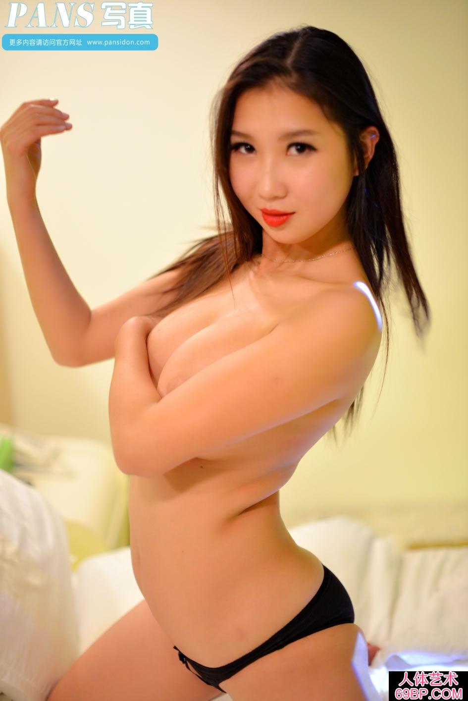 性感的湖北模特宁宁黑色内衣人体写真第17张