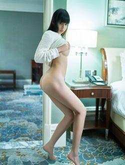 长发美女艾栗栗超唯美人体摄像