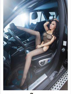 坐得起好车的模特美女娇娇大尺寸
