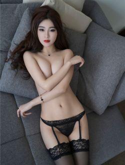 性感模特黑白内衣写真套图