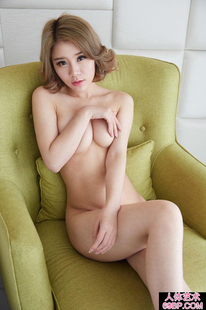 洋气的华裔模特Lisa私家人体写真第1张