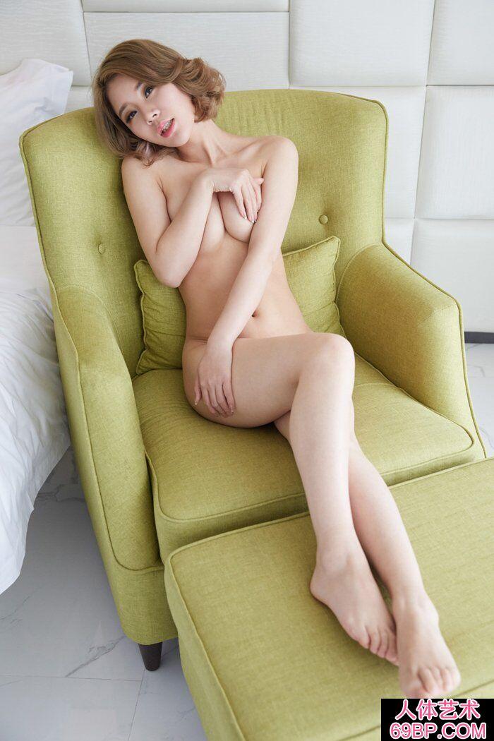 洋气的华裔模特Lisa私家人体写真第2张
