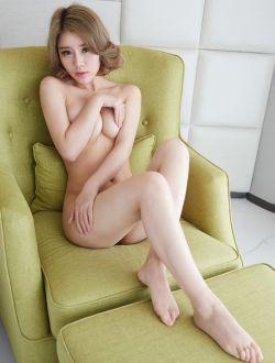 洋气的华裔模特Lisa私家人体写真
