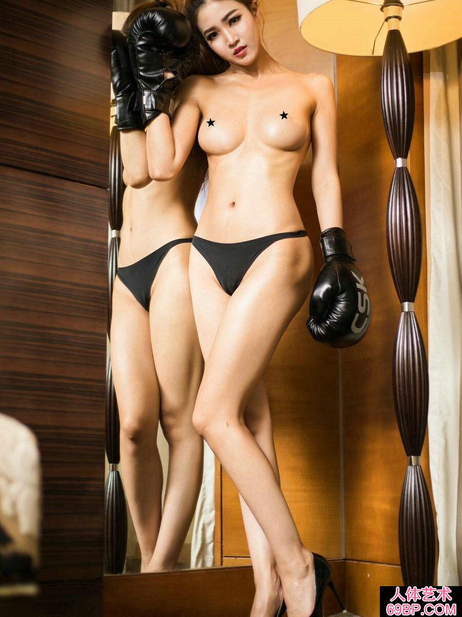 漂亮胸悍的女拳手沈晓青室拍人体写真