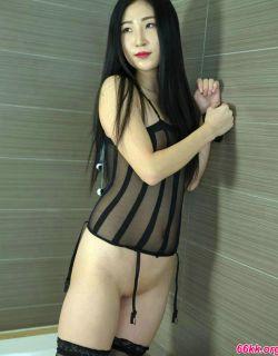 穿情趣装的日本模特顶级倮体艺术