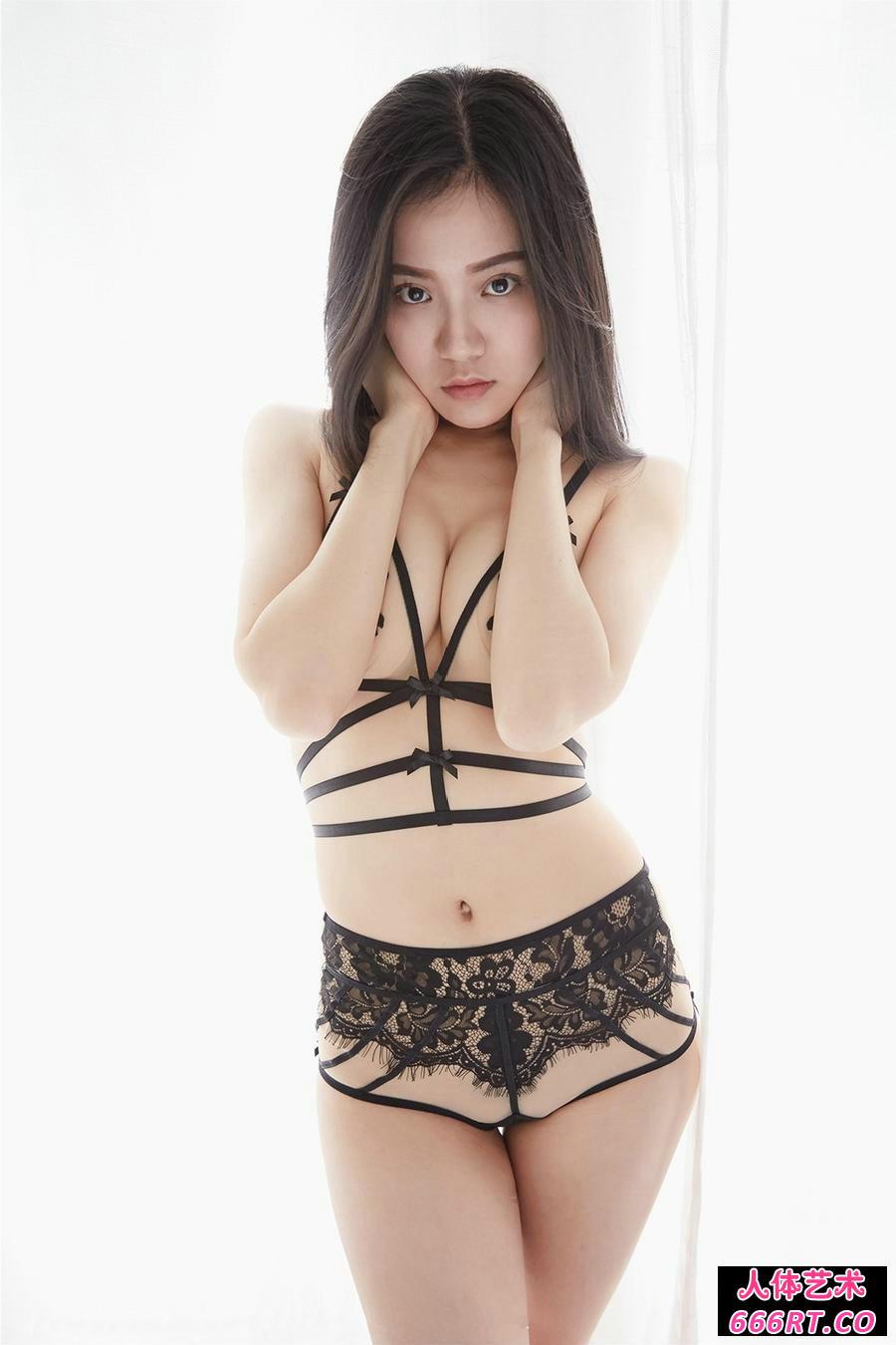 白嫩少妇吴凯莉穿超薄透视内衣倮身透明照第11张