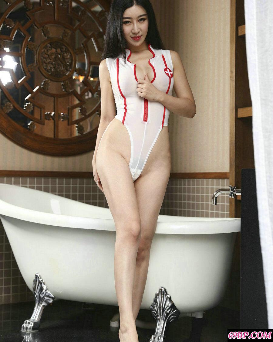 尤物王予诺情趣护士装配性感内衣薄透摄影