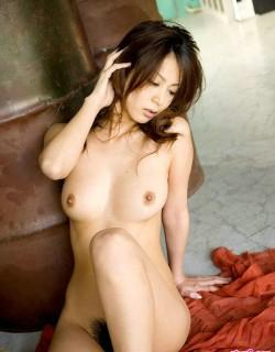 皮肤白嫩的日本妹妹Honoka绿色房间人体