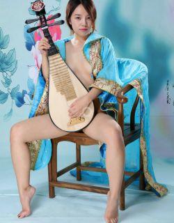 弹琵琶的蓝裙仙女阿薇人体写真