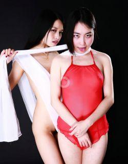 棚拍身披丝巾弹琵琶的模特小慕和阿林