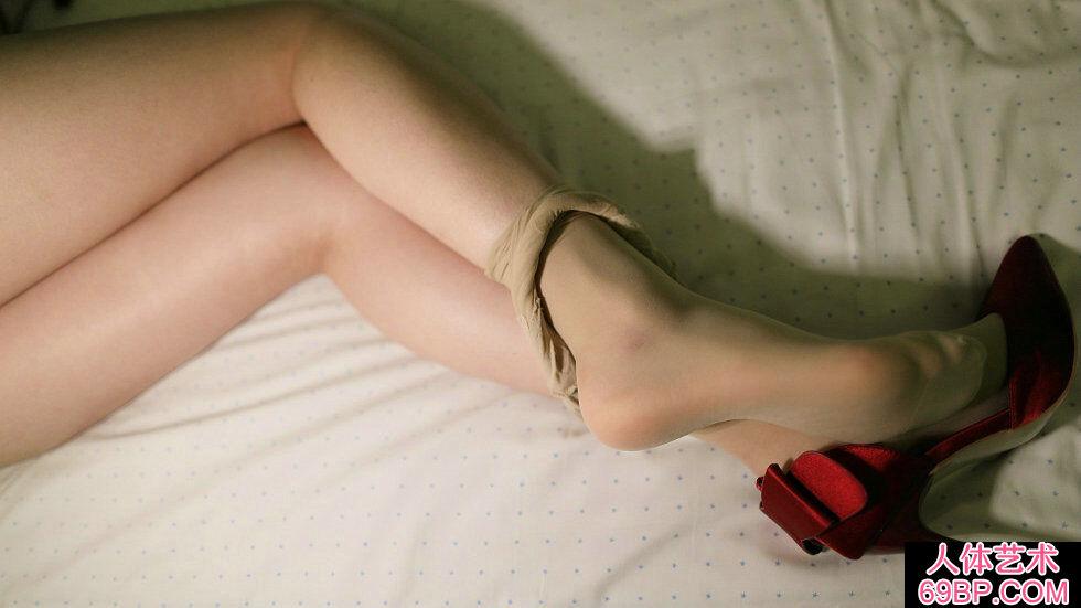 Rosi第2281期_内衣美女居家超薄肉丝秀