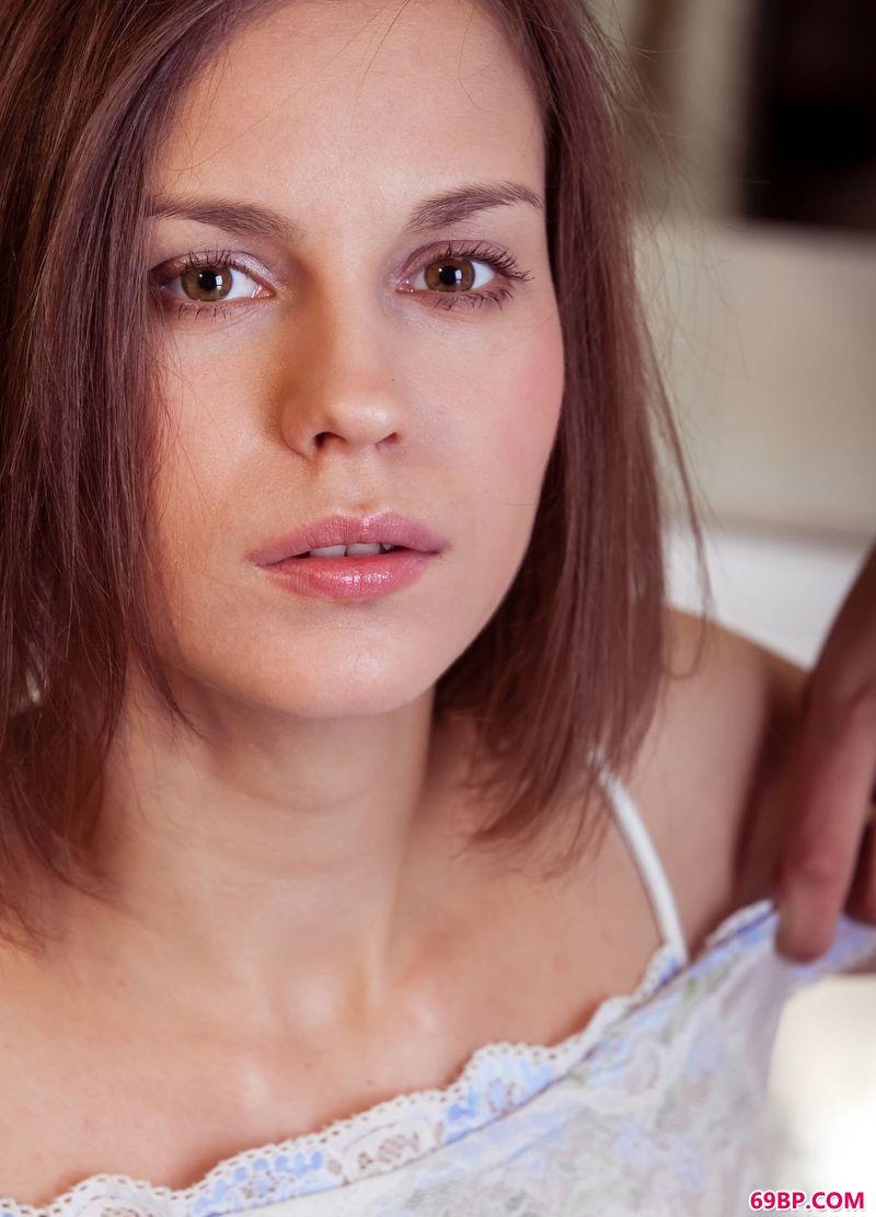 梳妆台前蕾丝妹子Tirata