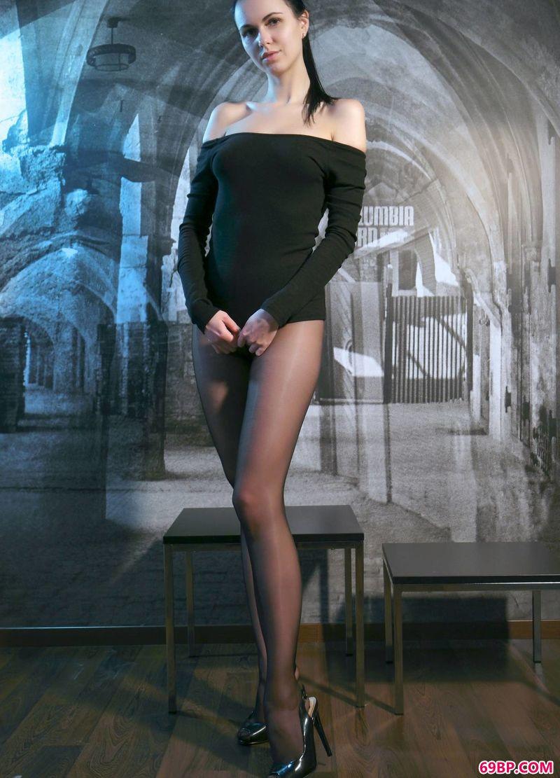 现代感艺术美体美模Nasita_乌克兰西西人体欣赏