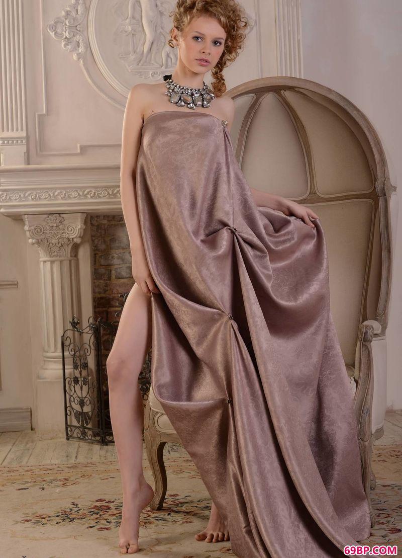 欧洲宫廷美感超模Angelika_尤密