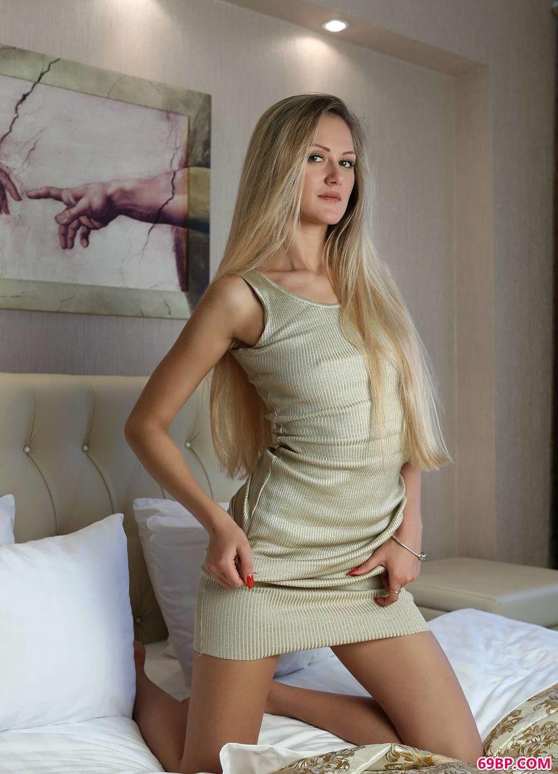 时尚感强气场名模Rozmari_西西人体44正版
