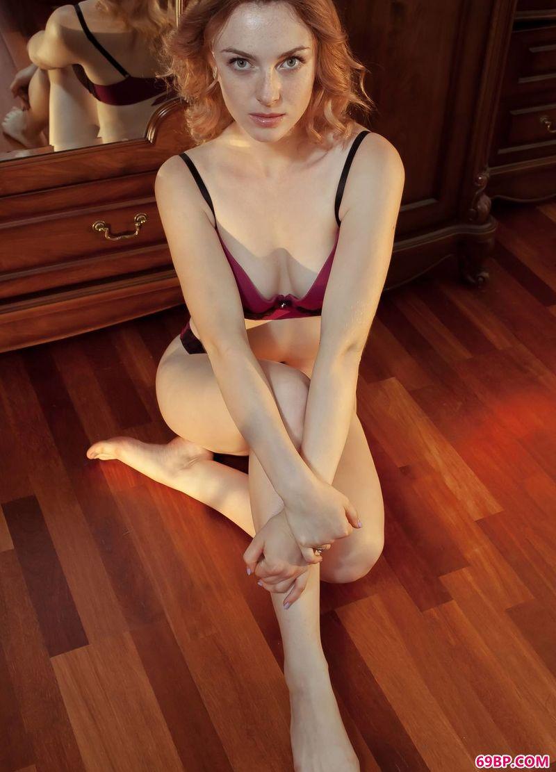 欧洲红发美体名模Jamie_西西人体44nenti图片