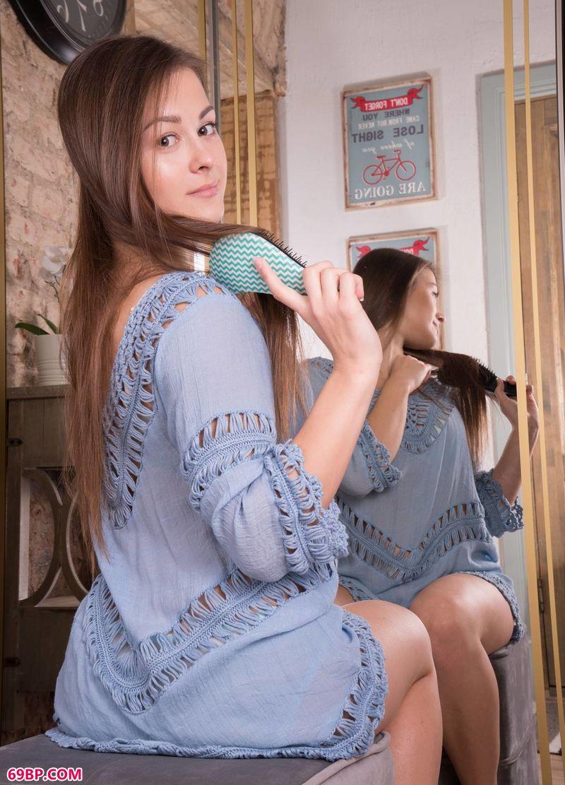 凹凸有致年轻女孩Sojie_巴西肉体摄影