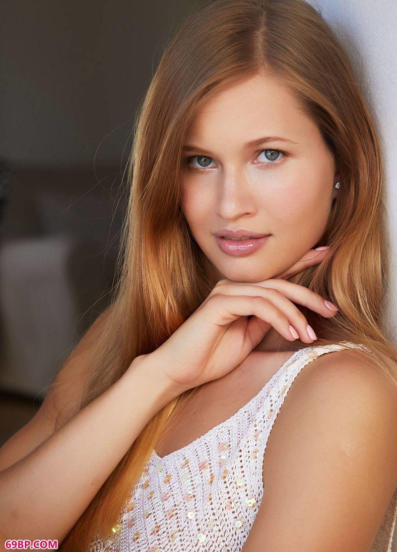 完美身体金发美模STELLA_西西人体大胆高清摄影