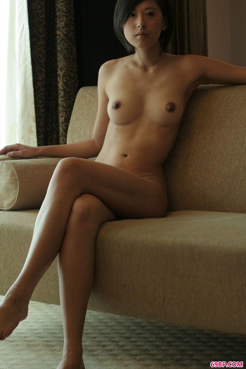 清秀的女人妍妍人体欣赏
