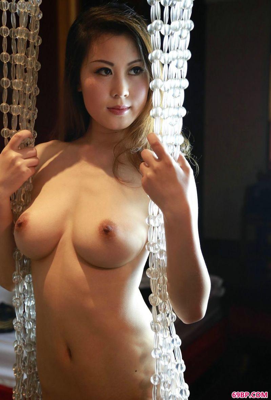 性感而丰腴的超模冰莲_日本少妇aa特黄毛片