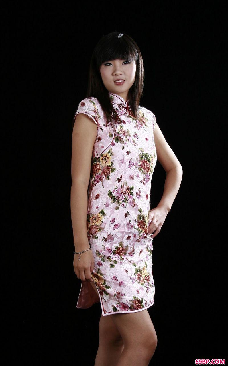 传统旗袍风格gogo嫩模小静