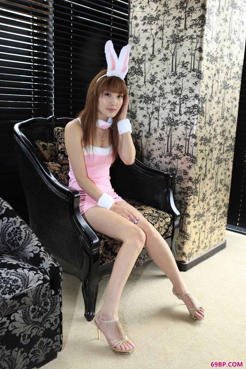 可爱姑娘雨菲动人的体态_西西人体www44rt_ent