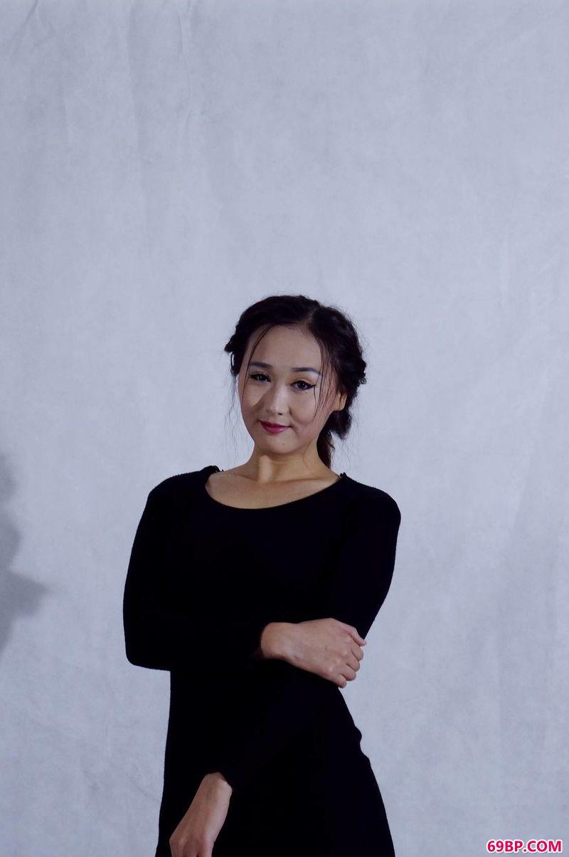 国模乔若彤棚拍作品_gogo国模大胆美女人体