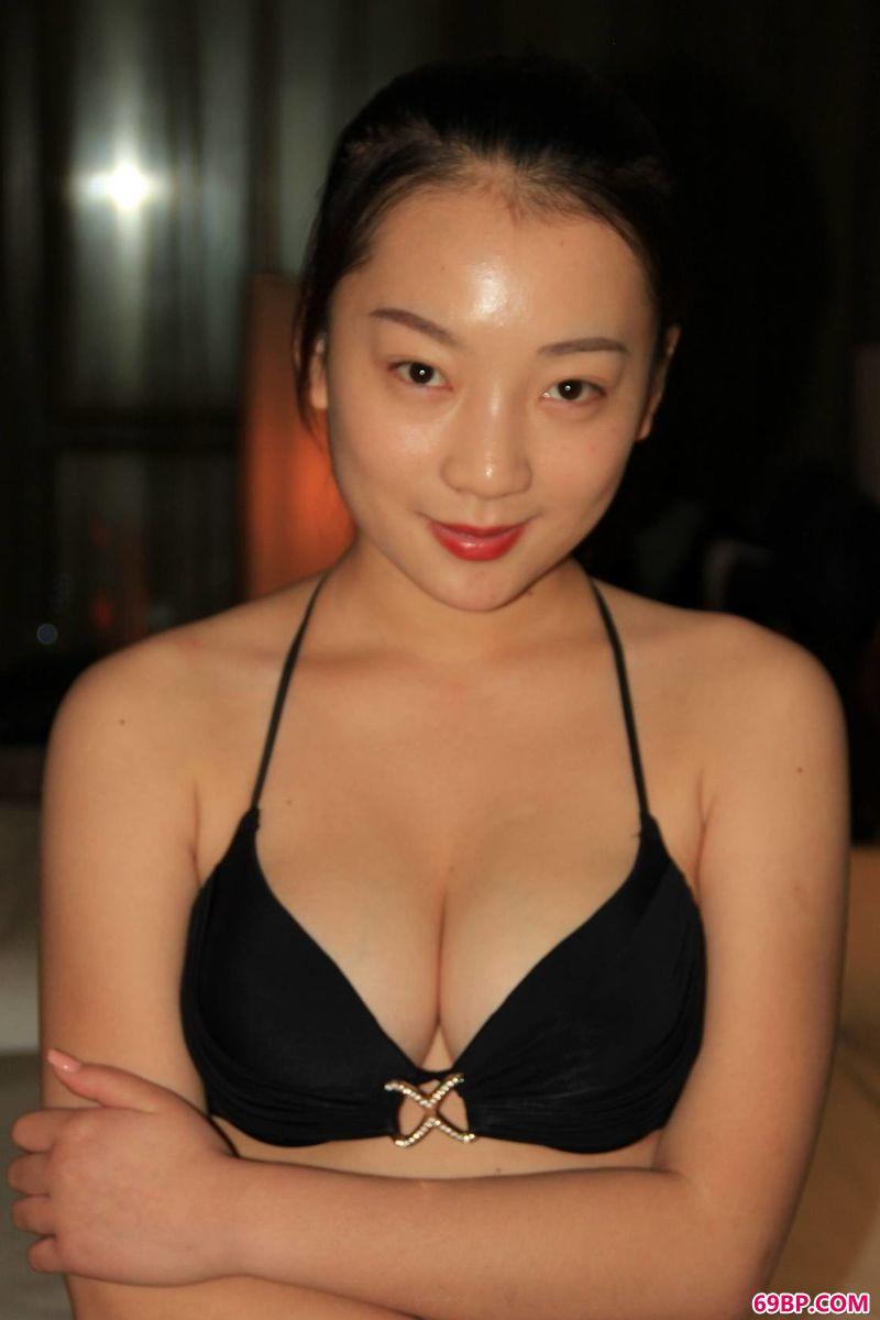 张雪馨自然光图片欣赏_泰国张慧敏西西人体艺术图片