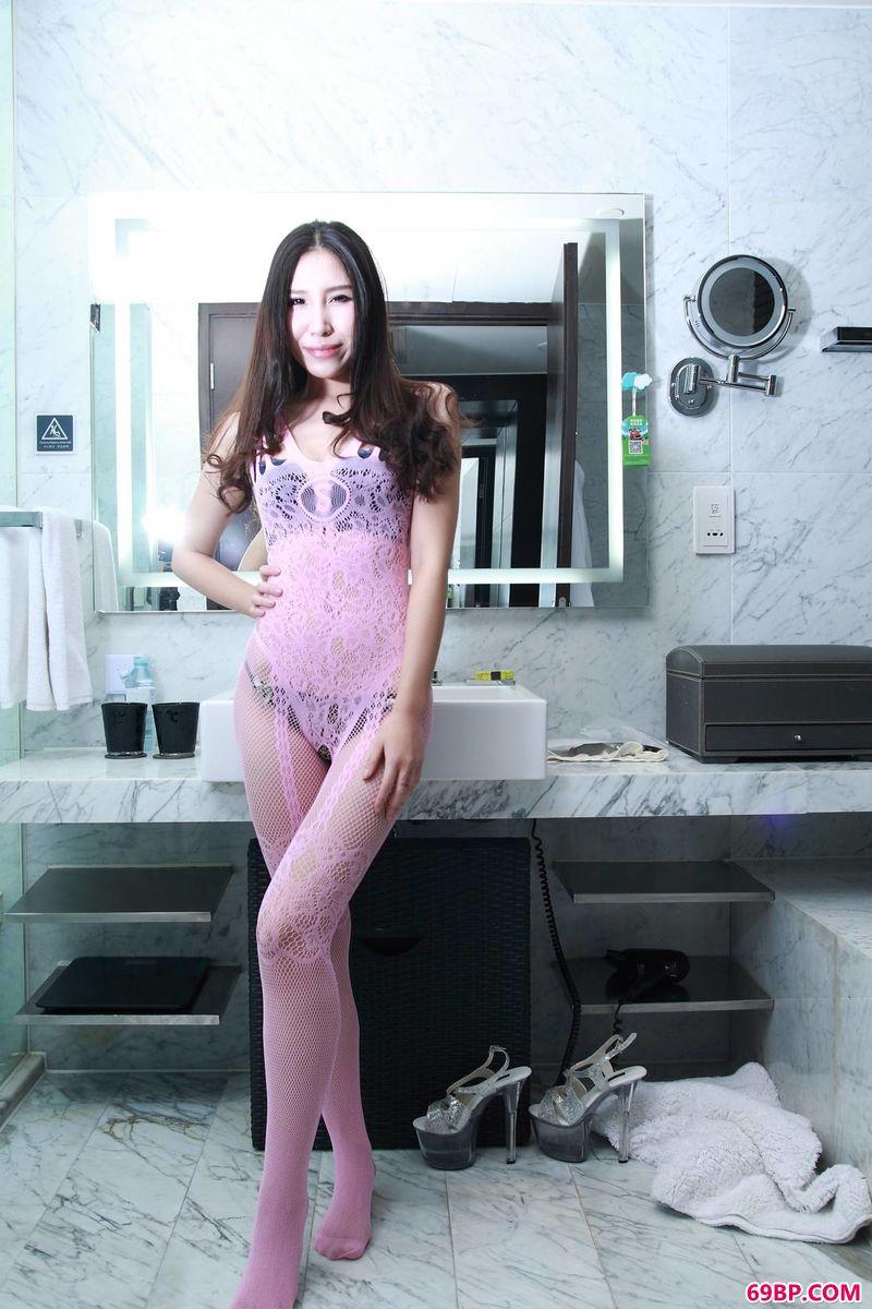 裸模萱萱的惊艳时刻,极品国模