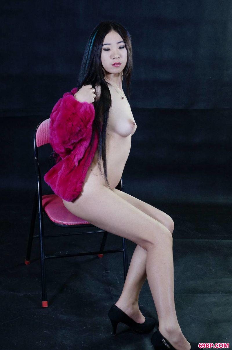 性感裸体美女图片_模特蒙蒙人体艺术图片