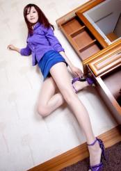 美腿模特Vicni高跟蓝色短裙写真