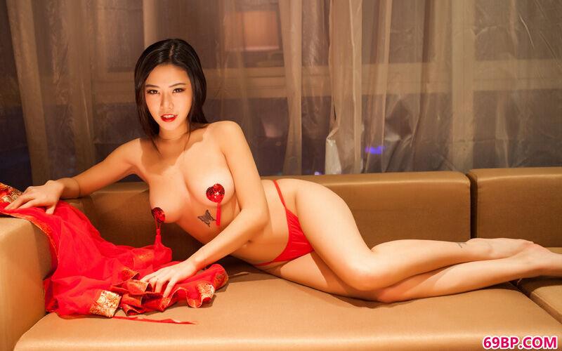 大美人luvian火红且火爆泳装秀