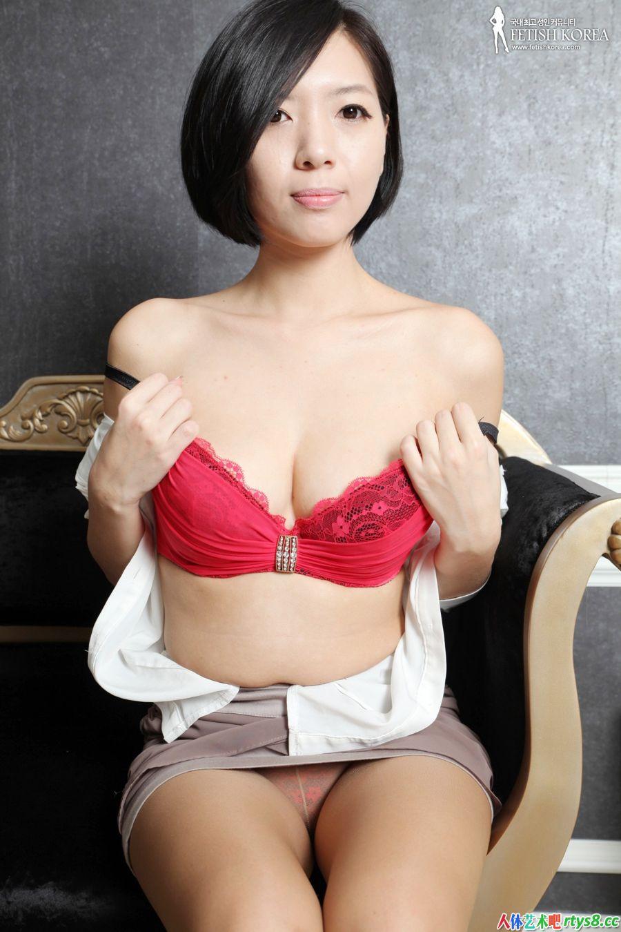 性感漂亮的短发模特肉丝丝袜人体