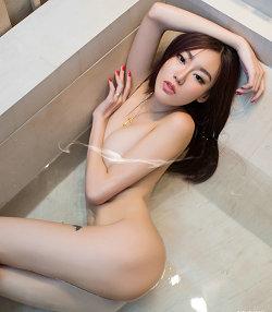郭琪马楠迷倒众生的人体摄影